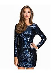 Scoop Back Sequin Kjole